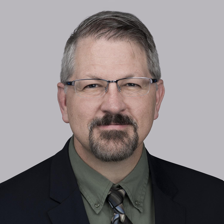Matt Leach es el vicepresidente de Innovación de Essex a nivel mundial, y ha implementado y supervisado el MagForceX Innovation Center durante los últimos tres años. Leach ha trabajado con Superior Essex, con responsabilidades cada vez mayores, en tecnología y operaciones durante casi 25 años. Recientemente, Leach se desempeñó como vicepresidente de Operaciones para Essex Norteamérica. Actualmente tiene la tarea de liderar un equipo de expertos en una multitud de disciplinas para resolver la próxima etapa de cuestiones tecnológicas. Recibió su título de Ciencias en Ingeniería Mecánica del Rose-Hulman Institute of Technology y tiene un MBA de Indiana University.